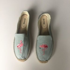 NWOT Soludos Blue Embroidered Flamingo Espadrilles